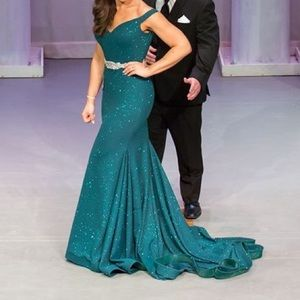Emerald Greed Jovani Gown
